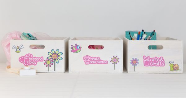 Medium toyboxes with picture labels